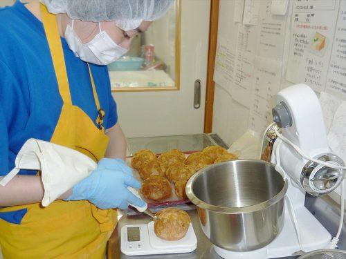 写真:製パンの様子2